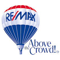 REMAX Above the crowd